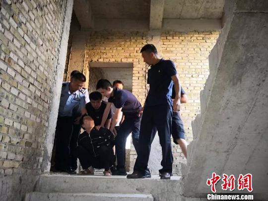 云南石林警方抓获一名公安部A级通缉逃犯