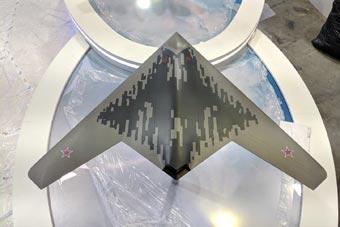 猎人无人机现身俄航展 尾喷口已做隐身化处理