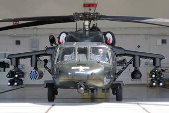 """这才是""""黑鹰""""完全体!火力爆表堪比武装直升机"""