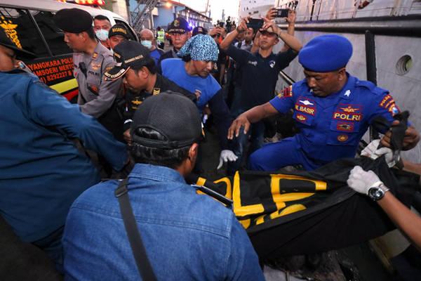印尼渡轮掉火致3逝世 挂号乘客111人实载300多人