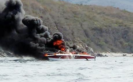 越南芽庄一快艇产生爆燃 致2人受伤