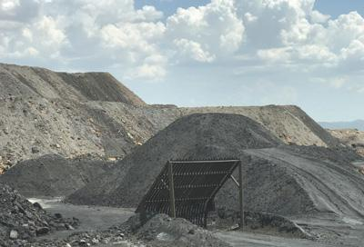 宁夏中卫有村民反映非法采矿等十余年 始终未获解决