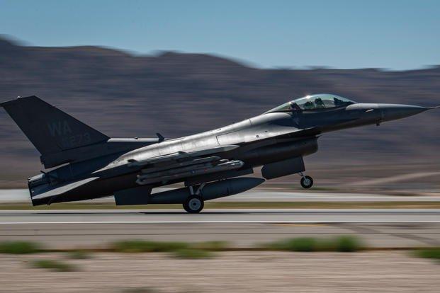 """美国一公司公开出售F-16战机,""""功能齐全""""标价850万美元"""