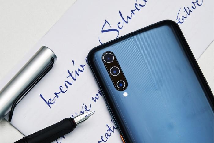 最便宜的4G_4G和5G手机,谁才是正确的选择?网友:4G手机价格便宜,真香
