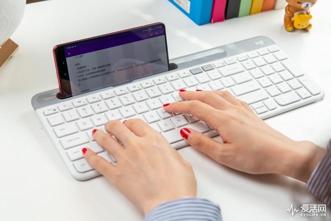 罗技K580键盘测评:便携和功能的完美平衡