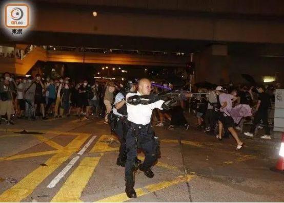 香港部分警员受邀参加国庆庆典,包括光头警长
