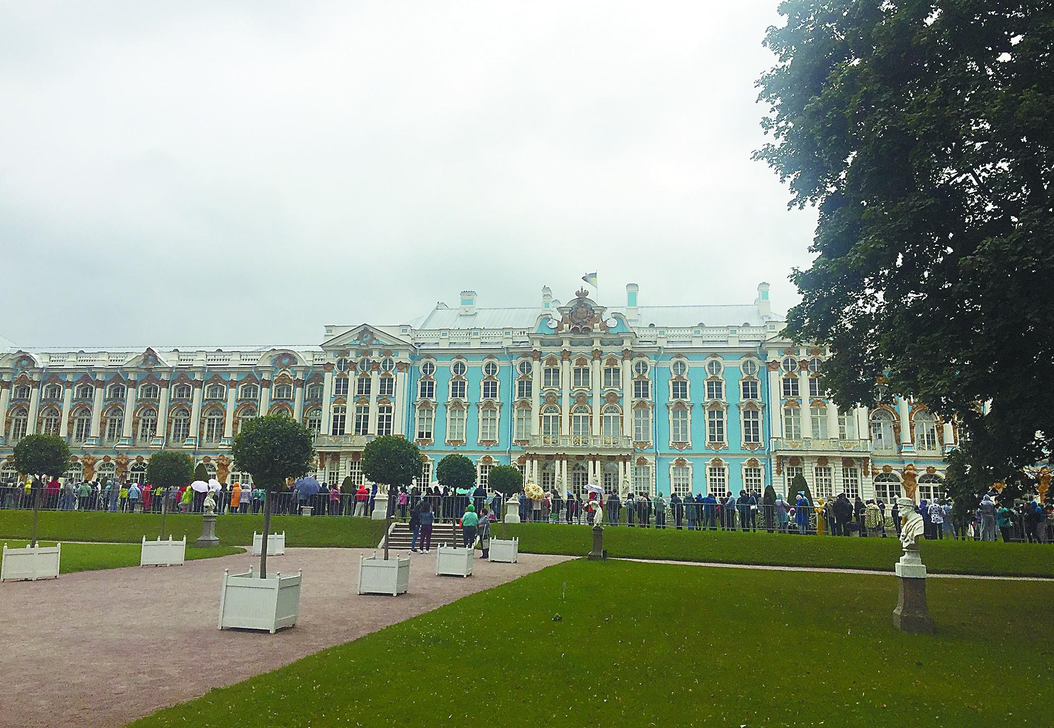 中国游客挤爆俄罗斯各大景点