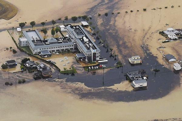 日本九州遭遇特大暴雨 佐贺工厂10万升油溢出