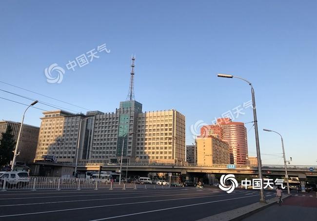 北京大风继续吹 晴朗在线紫外线很强