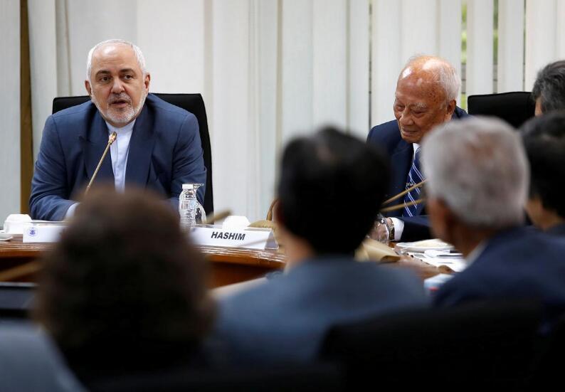 <b>伊外长:除非美国停止对伊经济战争,否则伊朗不可能与美国接触</b>