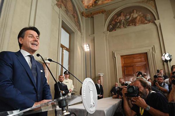 意大利前总理孔特受权组阁
