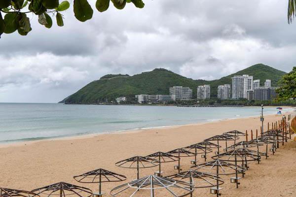 受臺風影響三亞旅游景區全部關停