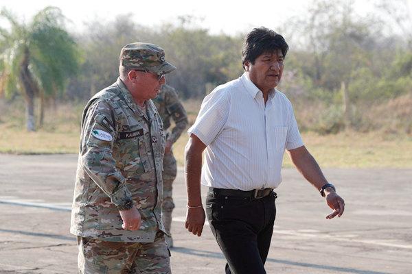 玻利维亚境内亚马孙雨林火情加剧 总统赴灾区视察