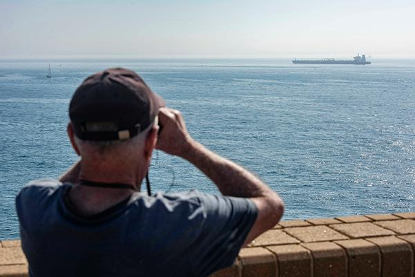 "<b>美国称""有可靠消息"",直布罗陀释放的伊朗油轮正驶向叙利亚</b>"