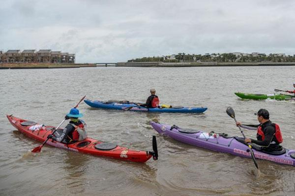 中國21名選手挑戰皮劃艇橫渡瓊州海峽