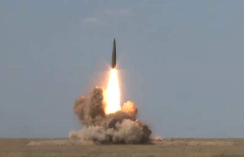 场面震撼!俄罗斯试射伊斯坎德尔导弹 成功击中目标