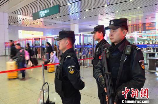青藏集團公司加開948趟旅客列車助力暑運圓滿收官