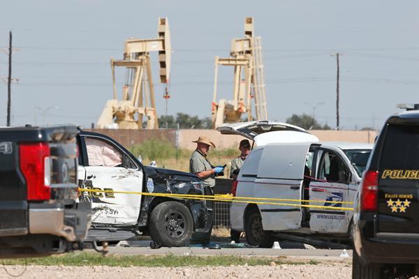 美国得州枪击案致8死21伤 警方排除恐袭关联