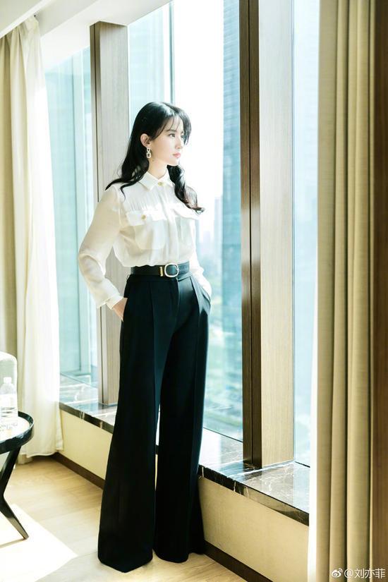 衬衫穿搭指南 种草刘亦菲江疏影的白衬衫
