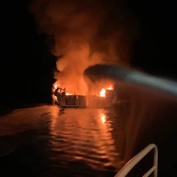 印媒:长江沉船事故,3岁最小乘客遇难 - 三泰虎