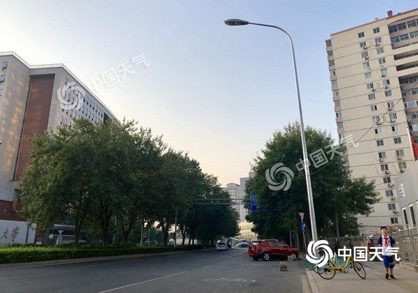 """晴曬天氣持續""""霸屏""""北京 本周最高氣溫32-33℃"""