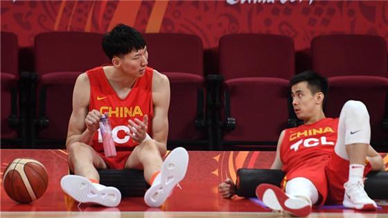 中国男篮备战小组赛第三场