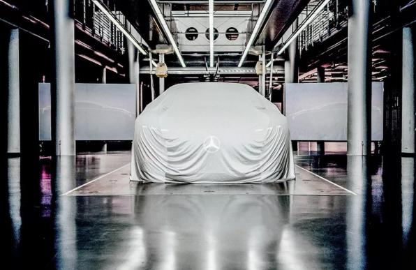 梅赛德斯-奔驰发布EQ电动概念车预告图