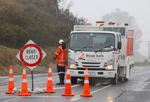 中国驻新西兰大使馆:新西兰车祸已致6死 车内有中国游客