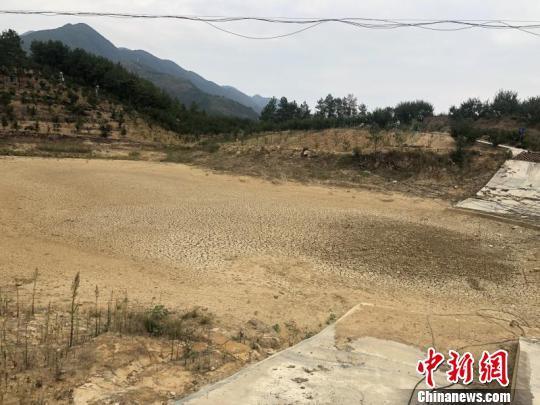 重庆17个区县遭受旱灾 局部地区严重缺水