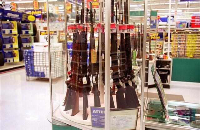 沃尔玛拟推出禁枪方案 停止销售部分枪支并禁止顾客携带枪支进入超市