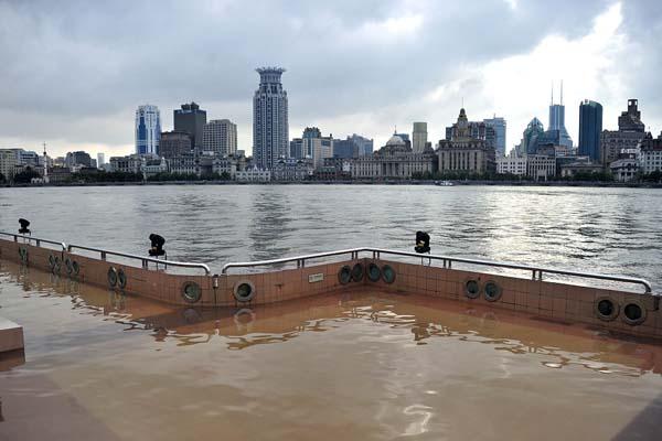 """台风""""玲羚""""外围将影响上海"""