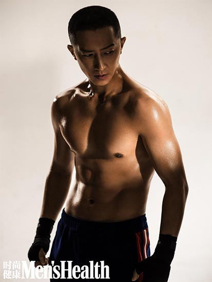 韓庚登封面表現力Max 汗濕腹肌狙擊熱血型男魅力