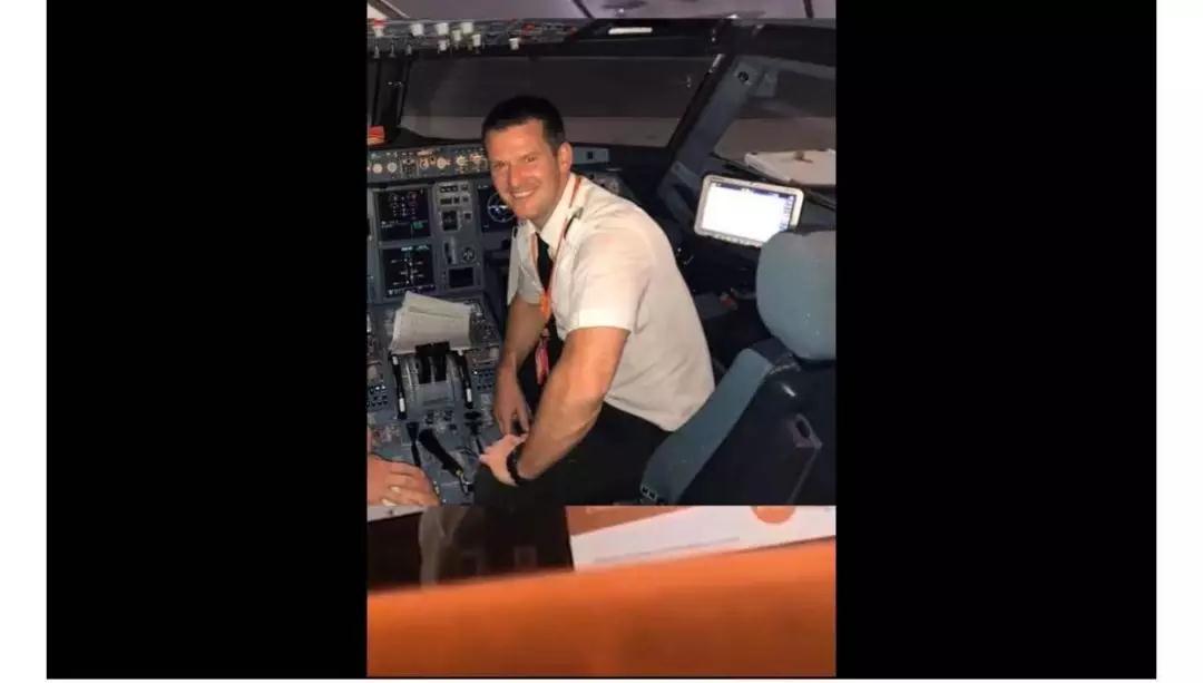 奇遇!乘客顶替机长把飞机开到目的地