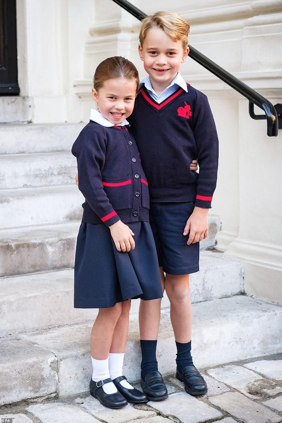 乔治夏洛特双双入学 英媒:兄妹俩成校园
