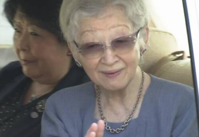 日本84岁上皇后美智子提前住院 次日将接受乳腺癌手术