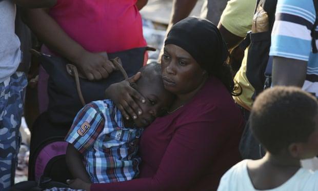 """飓风""""多利安""""重创巴哈马:43人死亡,数千人可能仍失踪"""