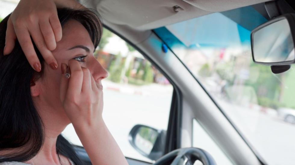 开车摸副驾驶乘客大腿,要记3分?真相让人大跌眼镜