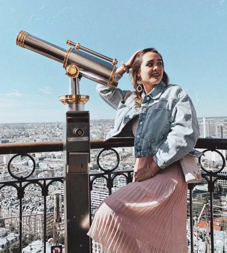 钟丽缇三个女儿同游巴黎 考拉与姐姐亭亭玉立美犯规