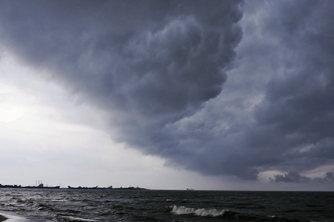 宛如世界末日 台风给菲律宾带来强风暴雨