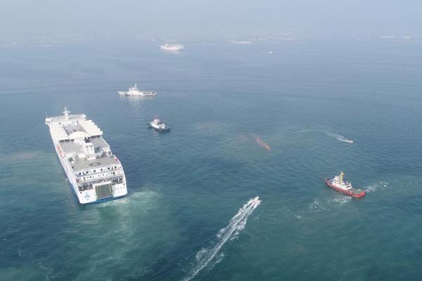 烟台海域举行2019年大型客滚船海上联合搜救演练