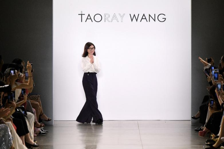 王陶让世界为高品质的上海服装和高段位的中国设计喝彩!