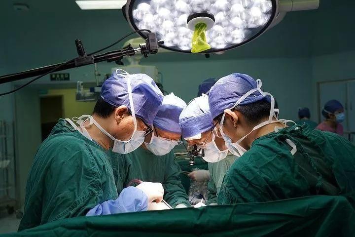 28岁孕妇吃了几块驴打滚后痛失龙凤胎,生命垂危!妈妈一个决定救