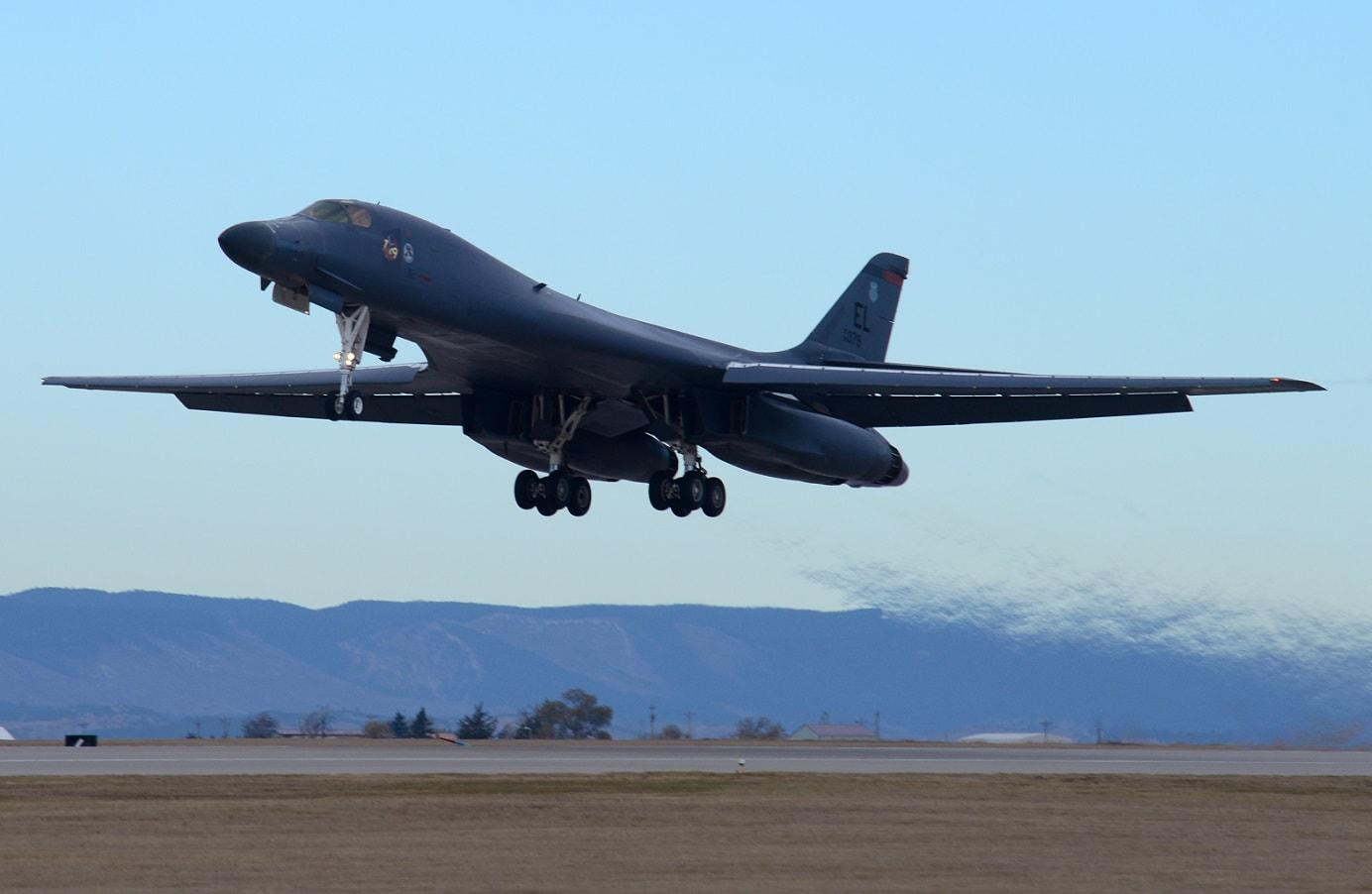 美军计划为B-1B轰炸机升级高超音速导弹发射能力