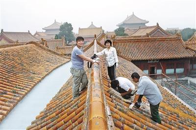 """故宫古建专家揭秘""""上房揭瓦""""18年:险活累活是便饭"""