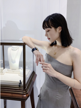 韩庚出席K&IRèNE半岛旗舰店开业