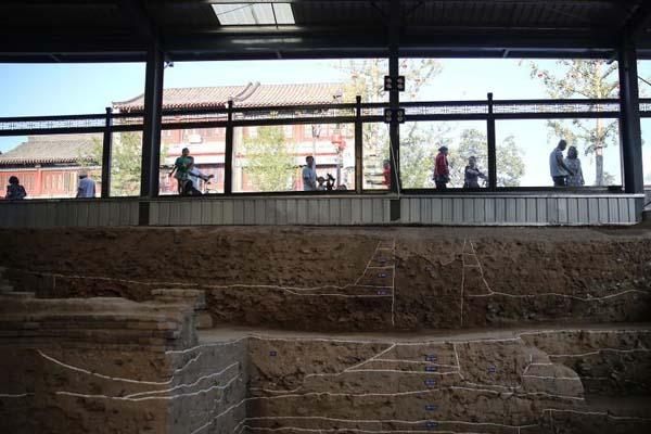 满足好奇心!考古工地装玻璃棚供民众现场观看