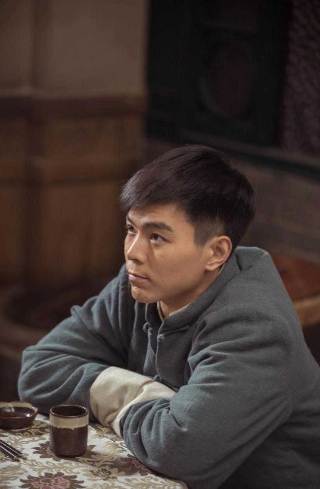 《老酒馆》蔡荣对着陈宝国叫爹 桦子首发声弹幕刷屏