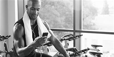 健身锻炼时听着音乐 到底有啥不一样?