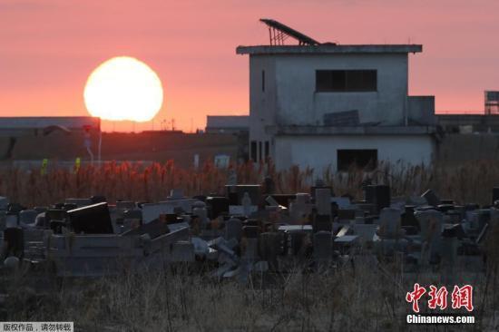 日本环境相小泉进次郎上任后首访福岛 称将推进重建