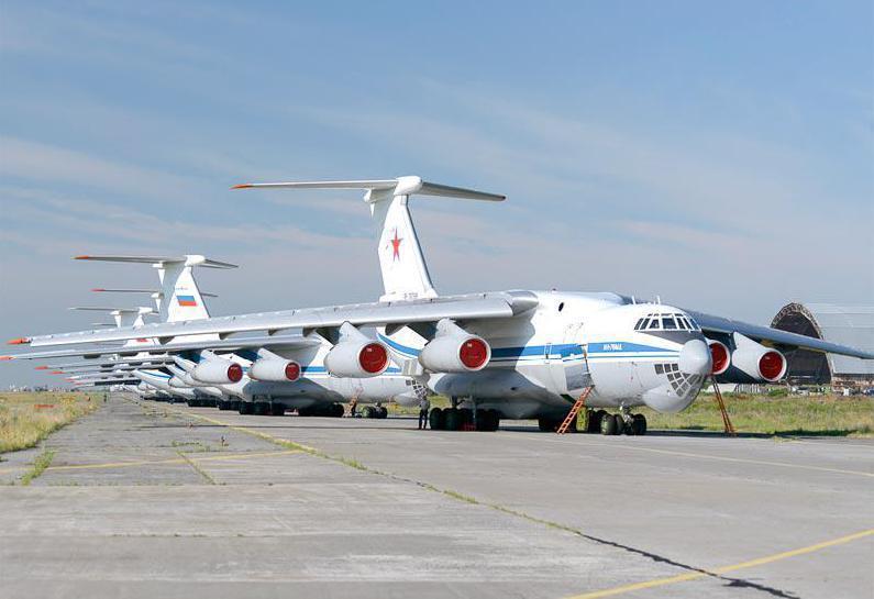80架伊尔76参与空降演练 俄军大秀战略投送能力